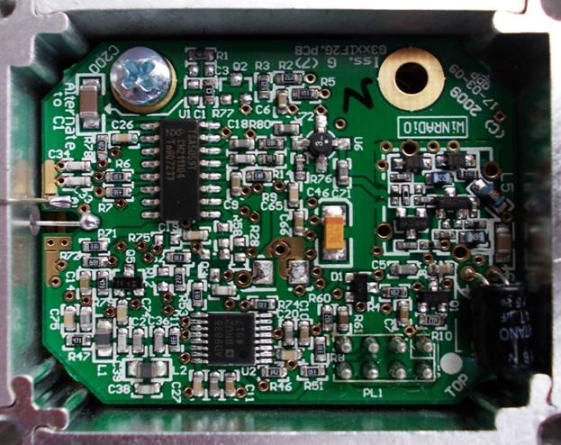 Синтезатор частоты выполнен на